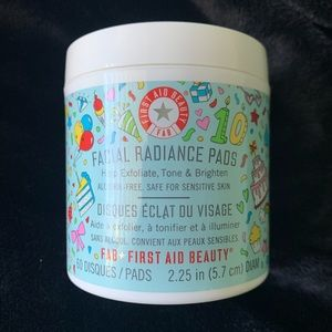First Aid Beauty facial pads